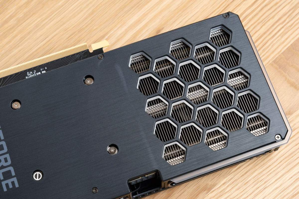 RTX 3060 Tiのバックパネル